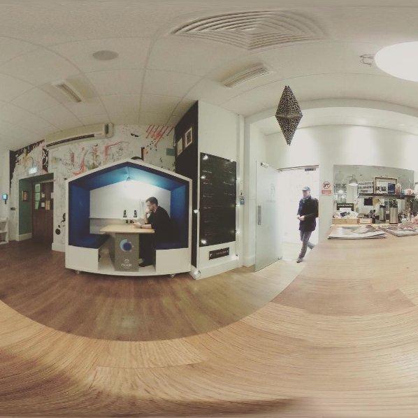 NookPod , un espace de travail et de réunion mobile et calme, qui augmente le Bien-être et la Productivité.