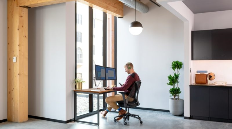 Solutions for dynamic work environments with Ergotron